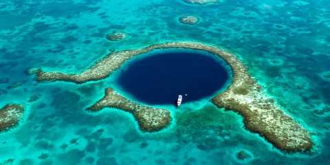 Lighthouse_Reef_Belize