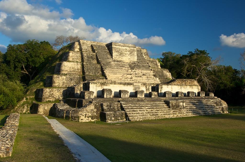 mayan sacrifice temple - 1024×680